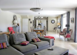 Die eigenen vier Wände mit tollen Möbelstücken und Wohnaccessoires individuell gestalten